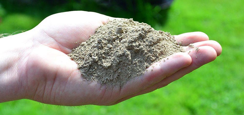 pó de rocha - Como fazer adubo orgânico